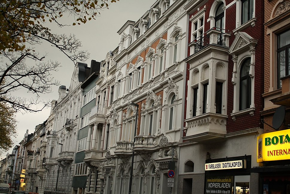 Typical Aachen street with early 20th-century Gr%C3%BCnderzeit houses (2)