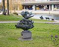 """Tyra Lundgrens skulptur """"Fågel blå"""" i Stockholm-2.jpg"""