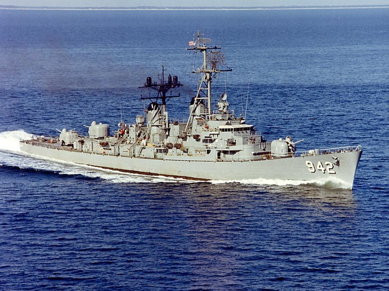 USS Bigelow (DD-942) at sea in January 1967