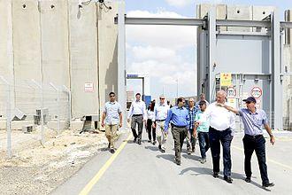 Kerem Shalom border crossing - Image: US Shannon visit (29233312732)