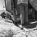 """Ugrzęźnięcie """"Stara"""" wyprawy w mule wyschniętej rzeki - w drodze z Bamian do Najaku - 001530n.jpg"""
