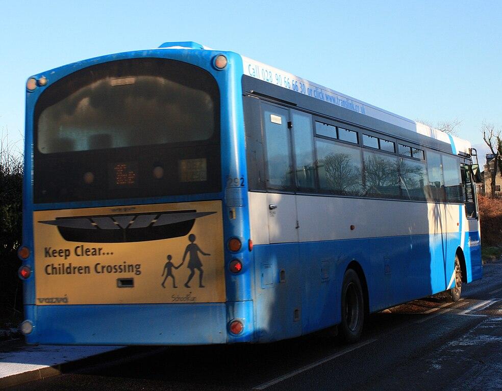 File:Ulsterbus bus 292 (OEZ 7292) 2007 Volvo B7R Wright ...