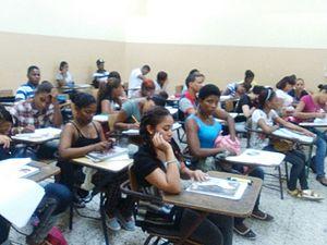 Universidad Autónoma de Santo Domingo - Undergraduate students at the Universidad Autónoma de Santo Domingo