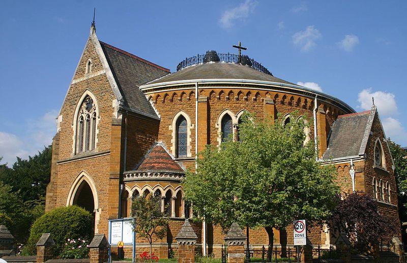 Superb Reformed Church Directory #1: 800px-United_Reformed_Church%2C_Wellingborough.jpg