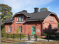 Västra station i Sundsvall har set fra perrongen.jpg