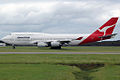 VH-OJC 'City of Melbourne' Boeing 747-438 Qantas (8749838834).jpg