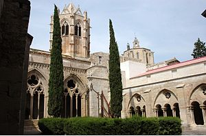 Vallbona Monges-Claustre.JPG