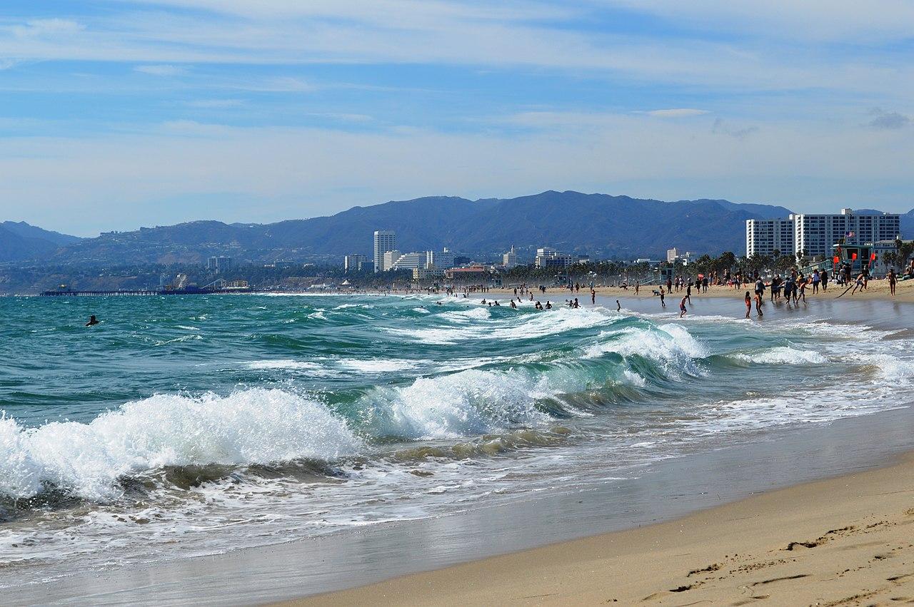 Best La Beaches To Surf