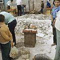 Verkoop van geitenvlees op de markt - Stichting Nationaal Museum van Wereldculturen - TM-20037982.jpg