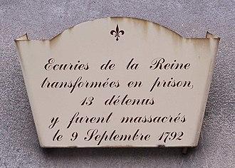 9 September massacres - Plaque at the entrance to the écuries de la Reine