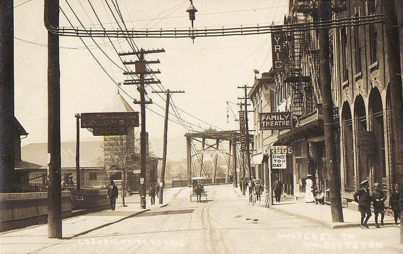 File:View of Water Street, Pittston, PA.jpg