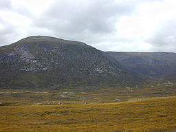 none  Utsyn over Glen Dee til Beinn Bhrotain, september 2000