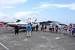 Visitors waiting for abord M8 Motor Boat at Gangshan Air Force Base Open Day 20170812.jpg
