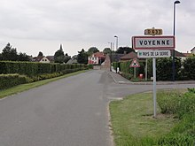 Voyenne (Aisne) city limit sign.JPG