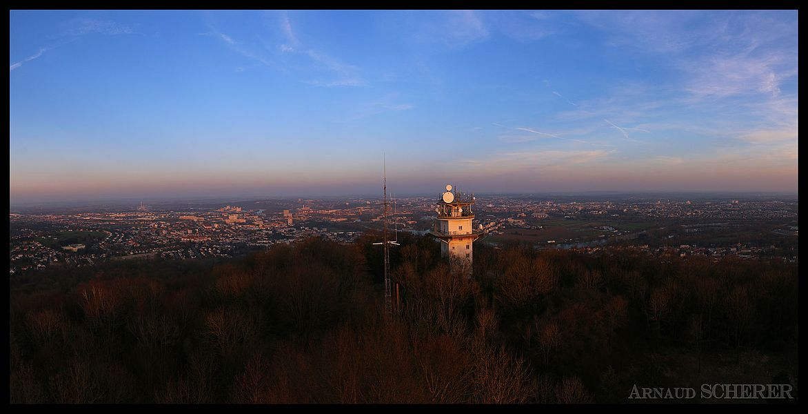 Vue panoramique de Metz prise du haut du Mont Saint Quentin (57)