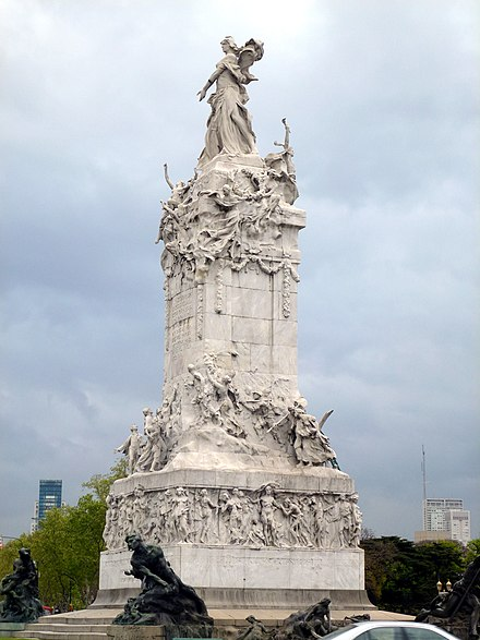 Monument to the Carta Magna and Four Regions of Argentina in the Palermo neighbourhood. WLM 2013 - Monumento de los Espanoles 4.jpg