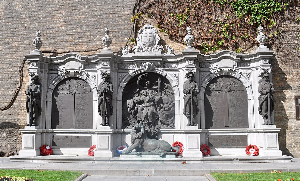 "WWI monument known as ""Ieperse Furie"", made by Aloïs de Beule between 1924 and 1926 after the design of Jules Coomans. Placed at the Alphonse Vandeneereboomplein in Ypres."