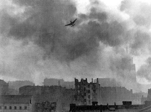 Warsaw Uprising stuka ju-87 bombing Old Town