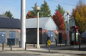 Washington 12th MAX station - Hillsboro, Oregon.JPG