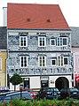 Weitra Rathausplatz Haus03 2011-06-18 GuentherZ 0059 Sgraffitohaus.JPG