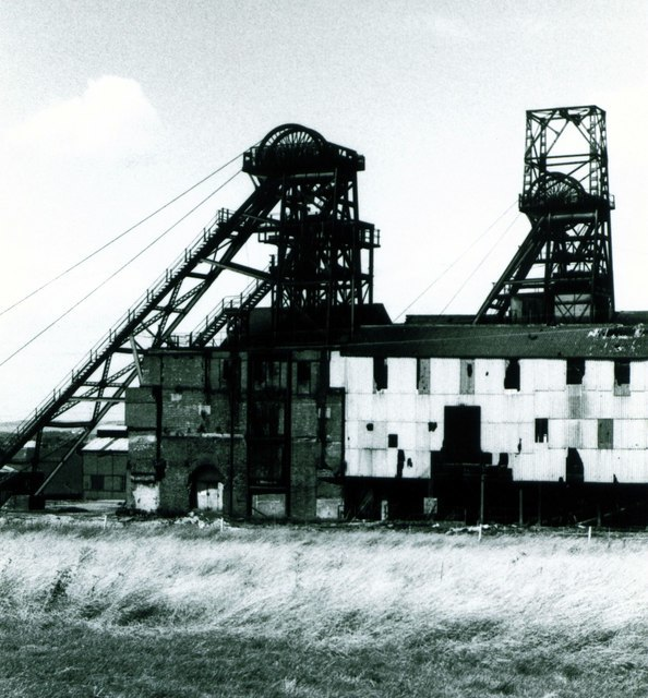 """Wheldale Colliery, Castleford, """"the sunshine pit"""" - geograph.org.uk - 760530"""