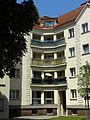 Wien-Penzing - Schimon-Hof - Innenhof mit Durchgang zur Cumberlandstraße II.jpg