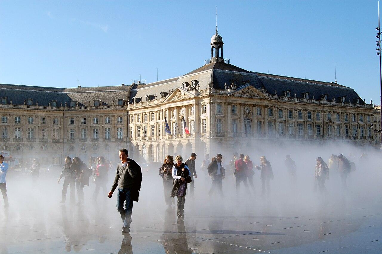 File xdsc 7643 effet brouillard miroir d eau quai de la for Miroir de la tauromachie