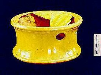 History of commercial tobacco in the United States - A simple U.S.-made spittoon of yellow ware