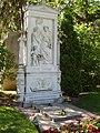 Zentralfriedhof Vienna - Franz Schubert.jpg