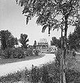 Zoltan Gerenčer - gradnja spomenika zmage v Murski Soboti 1945.jpg
