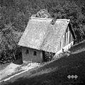 """""""Bajta"""" majhna hiša za gostje Vojska harija """"za krogam"""" Cerkljanski Vrh 1954.jpg"""