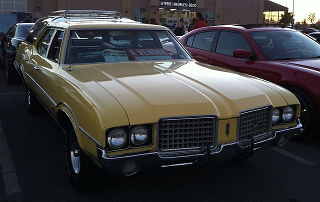 '72 Oldsmobile Vista Cruiser (Les chauds vendredis '14)