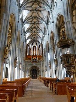 Überlingen Münster - Innenraum 3.jpg