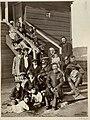 Казачье семейство. Цимлянская станица. 1875-1876.jpg