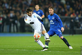 James McCarthy (footballer) - McCarthy in action for Everton in the Europa League.