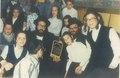 הרב ישראל פרל נציג חסידות ויזניץ מקבל את דגל המשנה מהרב שלמה שטנצל.pdf