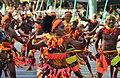 רקדנים רוקדים את ריקוד המפלה.jpg