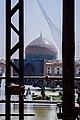 گنبد مسجد شیخ لطفالله از دید ایوان عالی قاپو.jpg