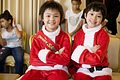 สองหนุ่ม Santa Kids ทูตน้อยเพื่อเพื่อนด้อยโอกาส พร้อ - Flickr - Abhisit Vejjajiva.jpg