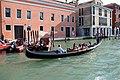 0 Venise, gondolier sur le Grand Canal - Fondamenta Riva di Biasio.JPG