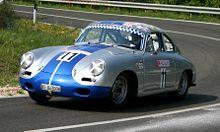 Una 356 durante una gara di auto storiche