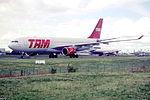 144fq - TAM Airbus A330-223, PT-MVC@CDG,10.08.2001 - Flickr - Aero Icarus.jpg
