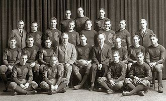 1927 Michigan Wolverines football team - Image: 1927 Michigan Wolverines football team