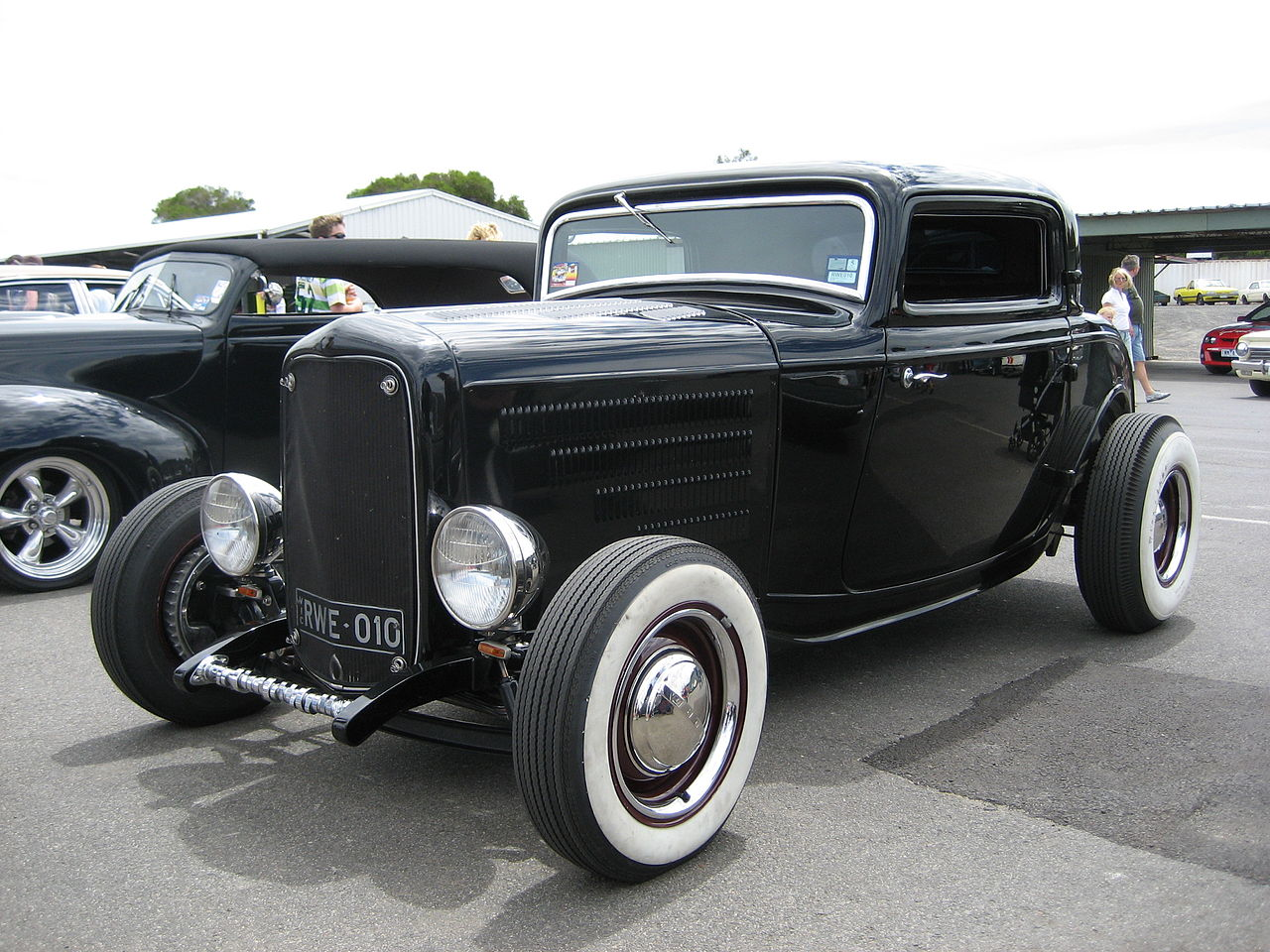 File:1932 Ford 3 Window Coupe Hot Rod (4).jpg - Wikimedia Commons