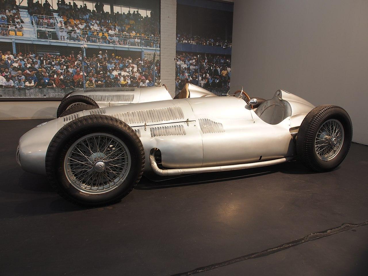 Mercedes Benz Van >> File:1939 Mercedes-Benz W154 Grand Prix, 12 cylinders ...