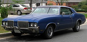 1972 Oldsmobile Cutlass Supreme Hardtop -- 10-19-2010.jpg