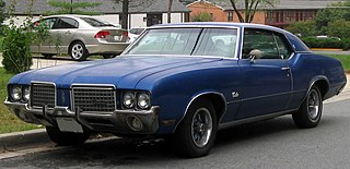 Oldsmobile Cutlass Supreme Motor vehicle