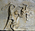 201209071703a Berlin Pergamon Museum Ausschnitt Friesblock Herakles Hydra 3. Viertel 2. Jh. v.u.Z.jpg