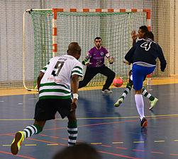 2015-02-28 16-11-47 futsal.jpg