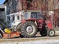 2018-10-22 (200) Massey Ferguson 575 with dumper in Schönfeld an der Wild, Göpfritz an der Wild, Austria.jpg